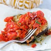 Berenjenas empanizadas con salsa de tomate cherry