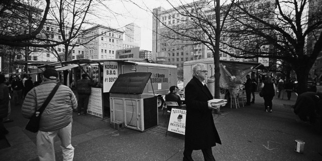 Students mourn closing of iconic food cart pods