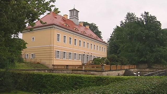 31 standesamtliche Trauungen und eine Freie Hochzeitszeremonie wurden dieses Jahr im Jagdschloss Graupa durchgeführt. Entscheidend […]