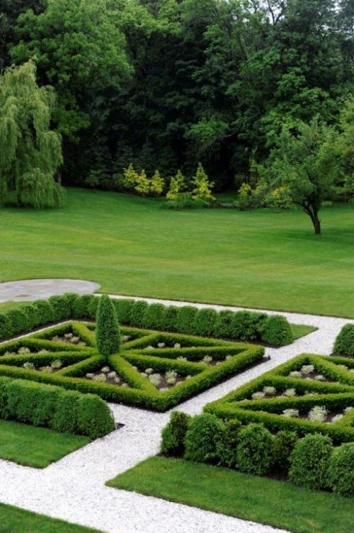 formal knot garden from stacy bass garden photography