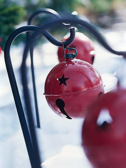 holiday garden bells