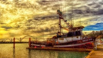 Fishing Boat Wallpapers | PixelsTalk.Net