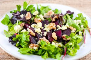 red-wine-poached-pear-gorgonzola-salad-5