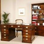 Diseño de oficina con muebles de madera