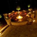 Iluminación exterior para cena romántica