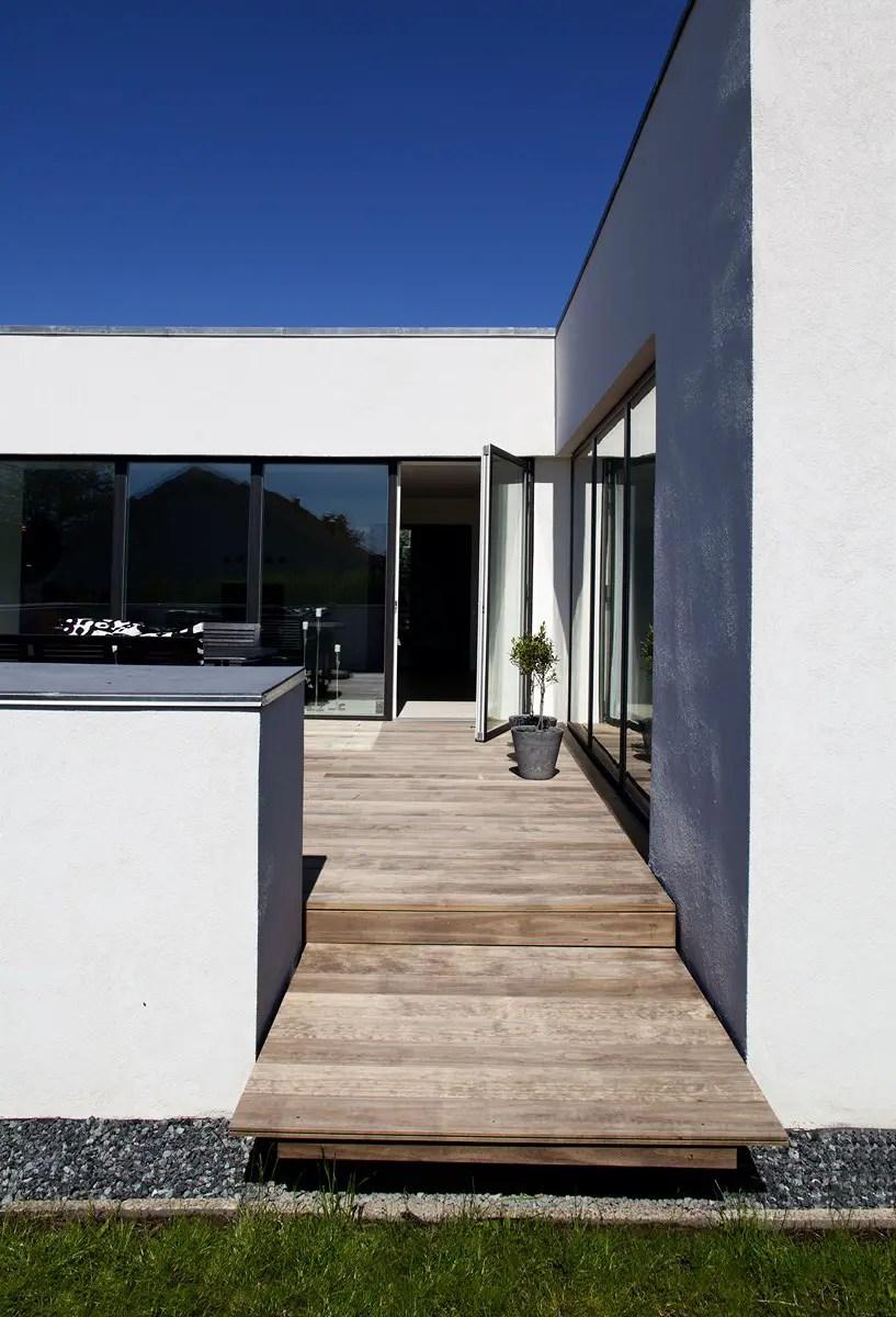 Une maison minimaliste au danemark planete deco a homes for Maison cubique minimaliste