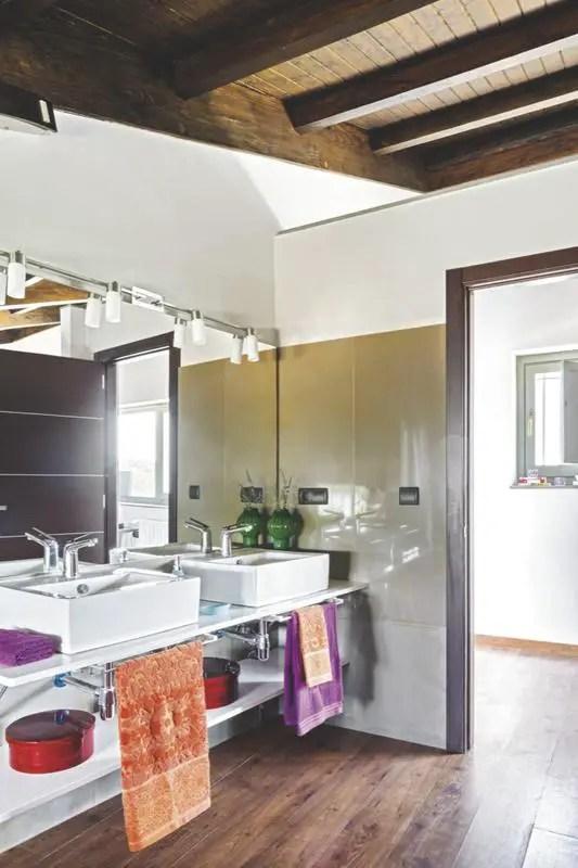 am7. Black Bedroom Furniture Sets. Home Design Ideas