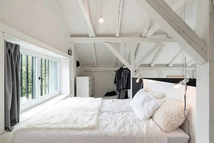 Une grange moderne en noir et blanc  PLANETE DECO a homes world ...