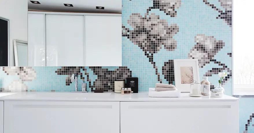 sch ne idee f r mozaik fliesen im badezimmer von grossstadtkind. Black Bedroom Furniture Sets. Home Design Ideas