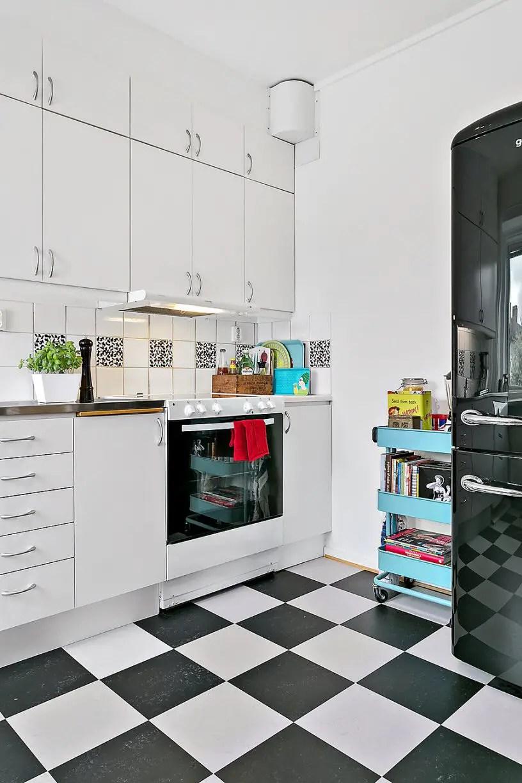 co2. Black Bedroom Furniture Sets. Home Design Ideas