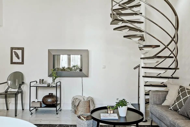 la chambre est en haut planete deco a homes world. Black Bedroom Furniture Sets. Home Design Ideas