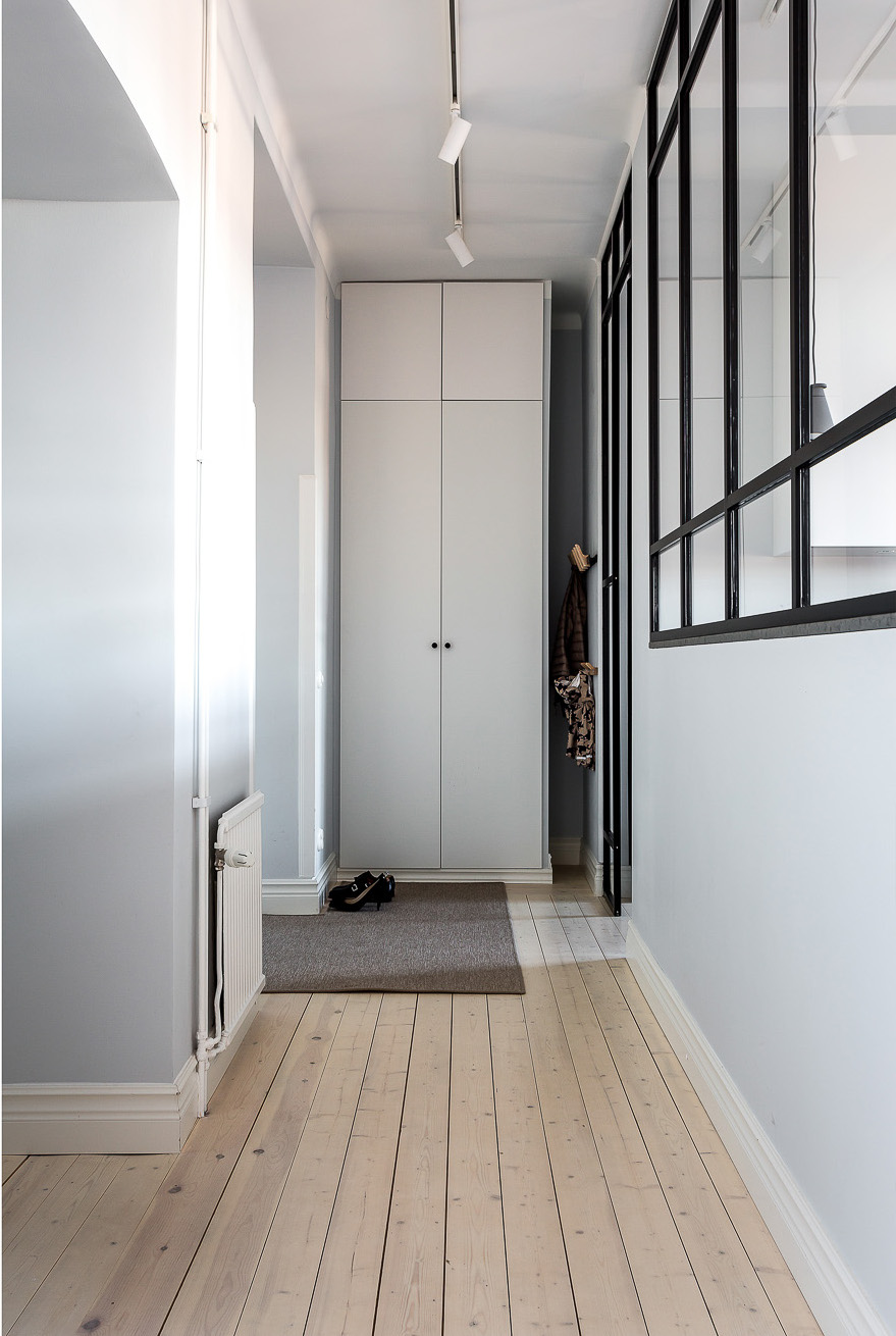 balcon en couleur pour appartement gris planete deco a. Black Bedroom Furniture Sets. Home Design Ideas