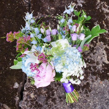 DIY Wedding Flowers - How to make the bouquets - Plaster & Disaster