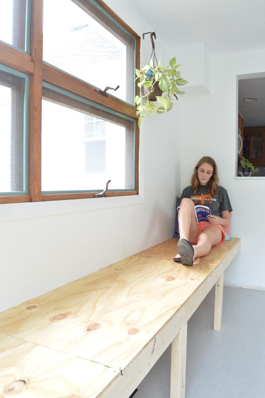 DIY bench seating -- Plaster & Disaster