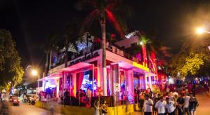 Tropical Casa Blanca Party Hotel
