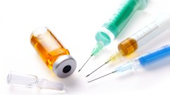 3 filled syringes with two ampoules of drugs isolated