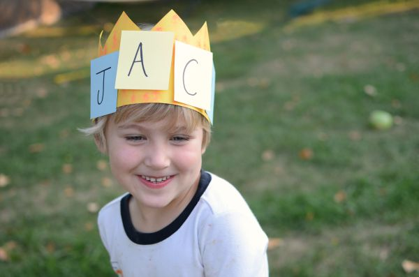 Name craft and activity - make name crowns!
