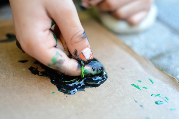 Halloween painting fun - use spider rings!