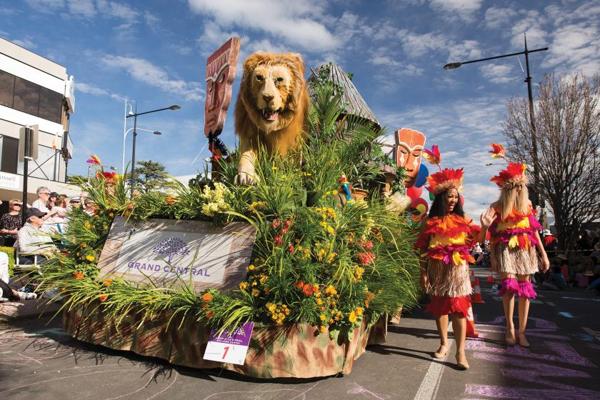 Blumenparade I Credits: Tourism and Events Queensland (TEQ)