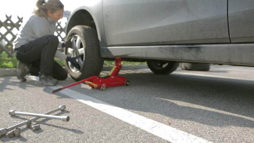 How A Female Can Change the Tire