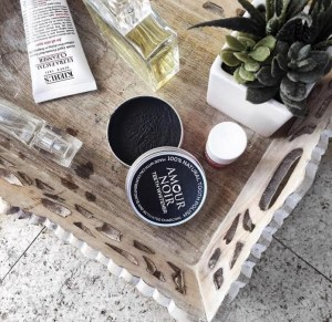 Why you should use Amour Noir Teeth Whitener ?