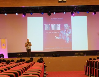 the-voicemaster-talks-about-effectively-using-the-voice-to-inspire-and-motivate-others
