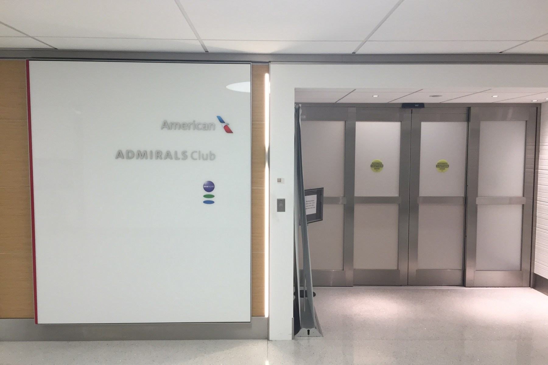 admiral club stl american airlines