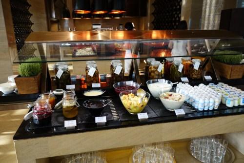 park hyatt abu dhabi review luxury hotel breakfast diamond beach pool welcome