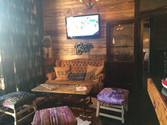 french quarter bar blake shelton miranda lambert OKC ATL Tishomingo Oklahoma City ladysmith bed and breakfast