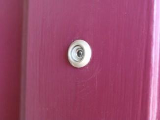 entryway_peephole_13