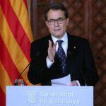 Artur Mas, el papelillo inservible y la bandera arrugada.