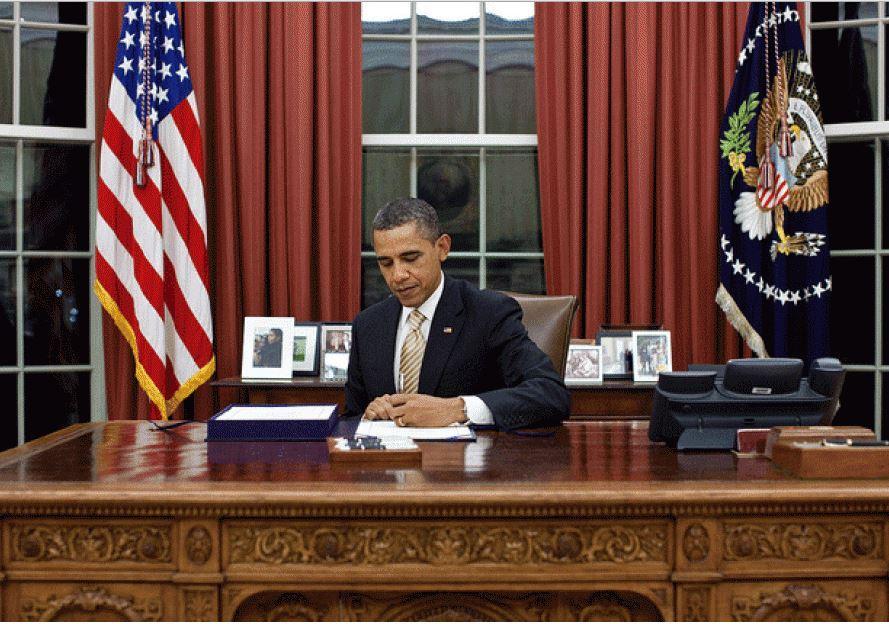 obama-veto-desk-2