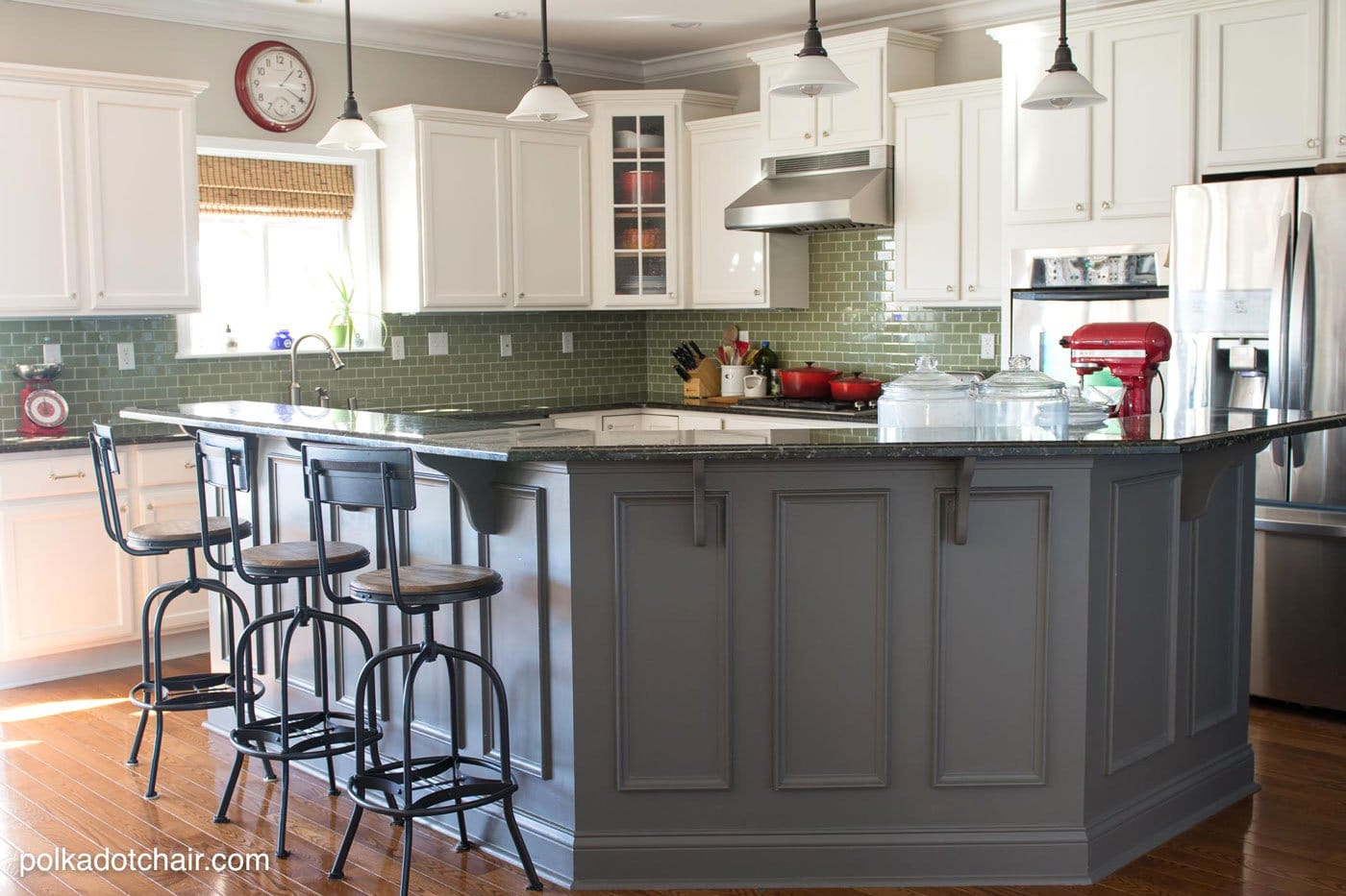 tips for painting kitchen cabinets painted kitchen cabinets Before and After Photos of a Kitchen that had it s Cabinets Painted White lots of