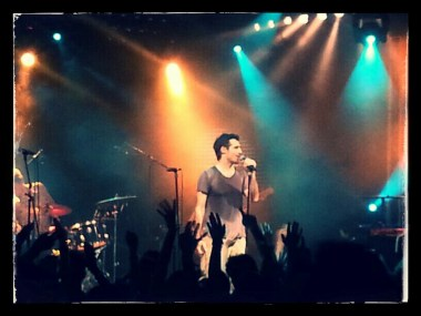 elix Riebl en un momento del concierto. The Cat Empire, Madrid.