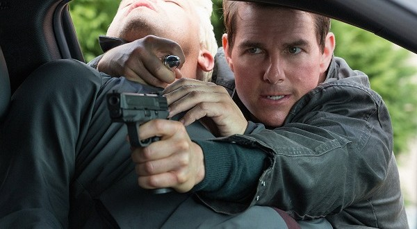 Tom Cruise plays Jack Reacher in Jack Reacher: Never Go Back from Paramount Pictures and Skydance Productions