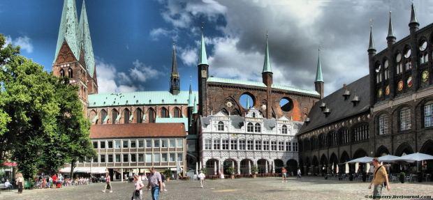 lubeck-cityhall-panorama4