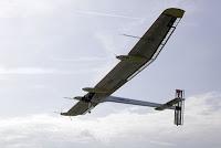 Solar impulse: premier vol inter continental.
