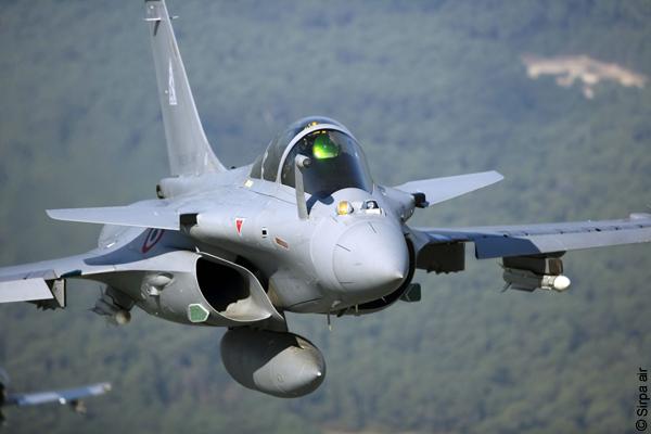 Un Rafale intercepte un Airbus dont le pilote s'est endormi...
