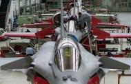 Contrats d'achat d'avions: ce qui se cache derrière les milliards