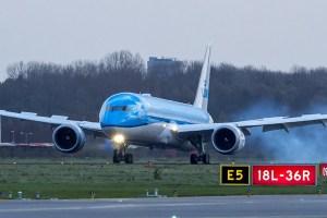 Arrivée du B787 à Schipol
