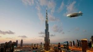 Le Zeppelin NT au-dessus de Dubaï, Crédit: Didier Wolff, Happy Design Studio