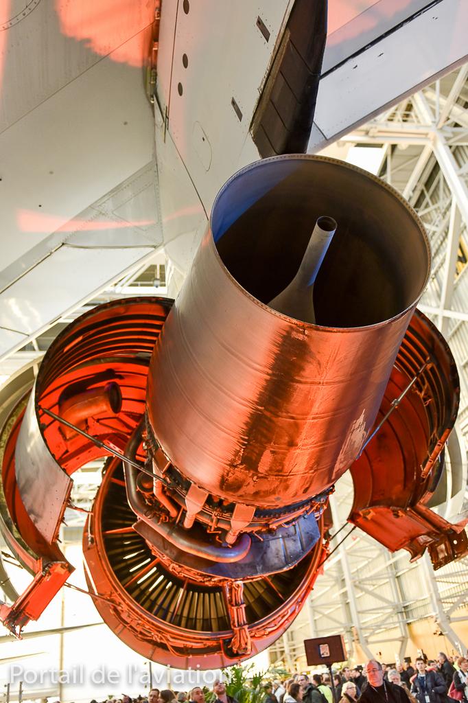 Un des quatres moteurs du B747, le CF6-80 nous dévoile son intérieur