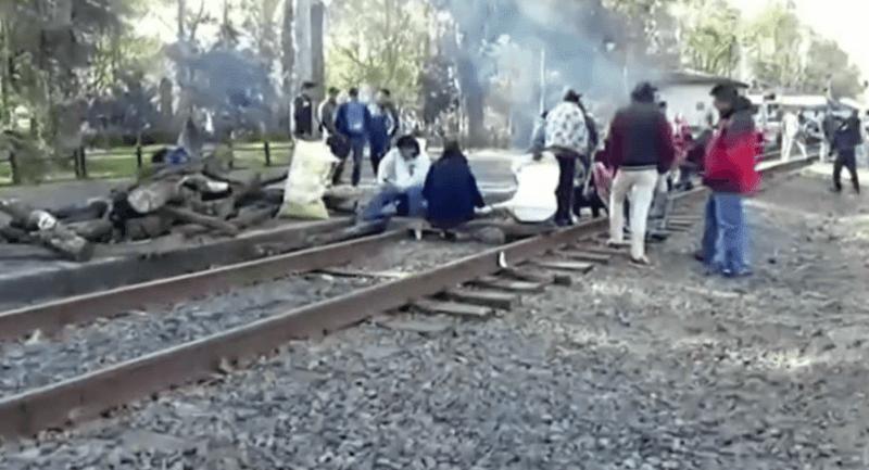 maestros-bloquean-vias-de-trenes-en-michoacan-noticieros-televisa-1
