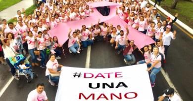 Realizan caminata conmemorativa por el Día Mundial de Lucha contra el Cáncer de Mama