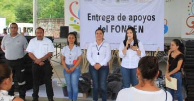 Entregan apoyos a familias detectadas por levantamiento llevado a cabo por la Sedescol