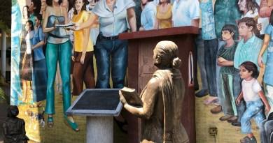 Comienza el pago a docentes de tiempo completo en Colima