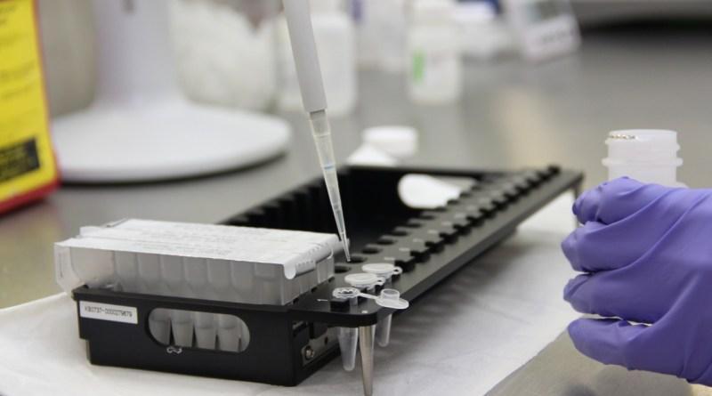 1118-toma-muestra-genetica