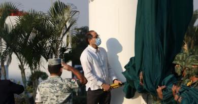 Encabeza gobernador ceremonia por el Día de la Bandera