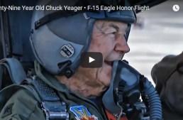 Com 89 anos de idade, o General Chuck Yeager voa no F-15 Eagle