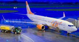 Piloto se aposenta após 40 anos e leva seu filho no último voo